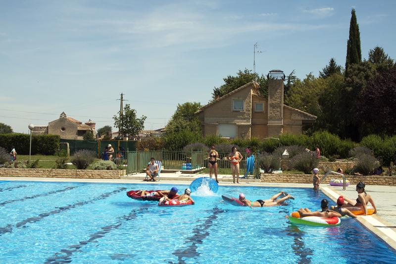 Recuerdos del verano fiestas con el agua alejodevahia for Follando el la piscina